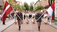 Daugavpilij – 742: svētku gājienā piedalījās 4 000 pilsētnieku