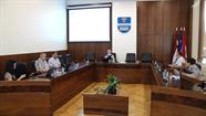 Sociālo jautājumu komitejā diskutēja par audžuģimeņu atbalsta programmas paplašināšanu
