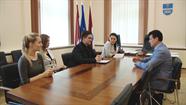 Notika Daugavpils Jauniešu domes tikšanās ar domes priekšsēdētāju Rihardu Eigimu