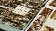 """Muzejā prezentēja Pētera Apiņa grāmatu ,,Latvijai 100"""""""